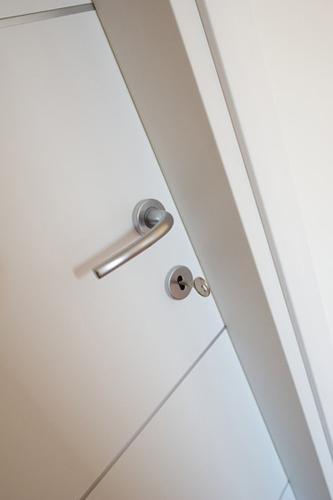 Pail porte in legno standard su misura e personalizzate